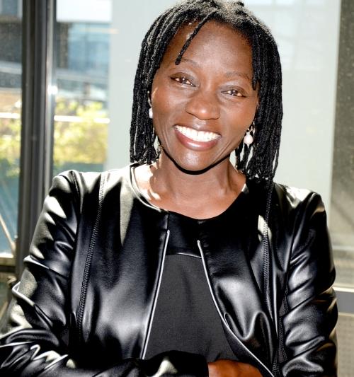 Dr-Auma-Obama-Web-c-by-Elke-Pouchet.jpg